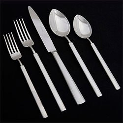 VINTAGE STAINLESS 5 PIECE PLACE SETTING