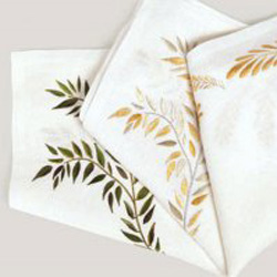 ALL OVER LEAF NAPKIN WHITE/OLIVE